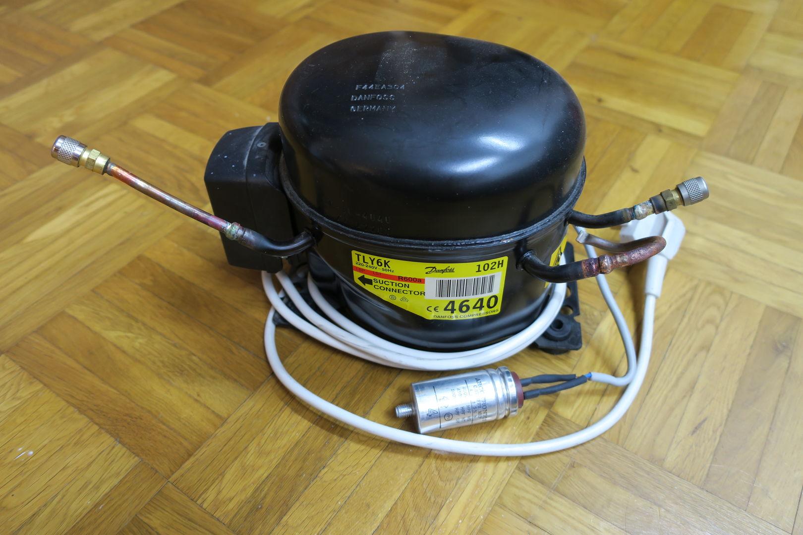 Kühlschrank Kompressor : Datei:kühlschrankkompressor.jpeg u2013 fingers wiki